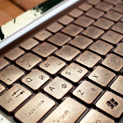Клавиатура из шоколада. Подарок парню